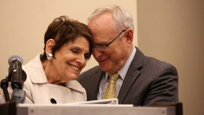 Rabbi David Saperstein hugs Rabbi Lynne Landsberg
