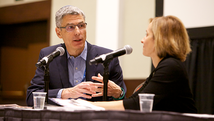 Rabbi Rick Jacobs talks to Rabbi Judy Schindler
